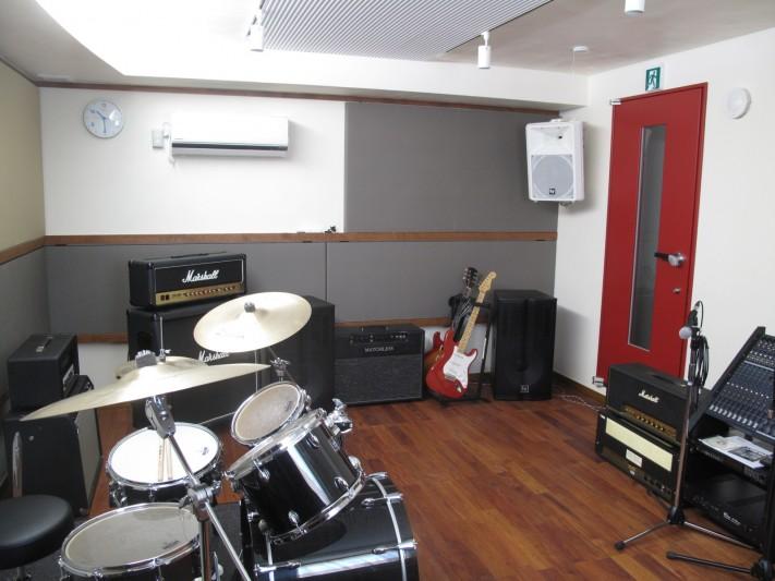 鳥居スタジオ