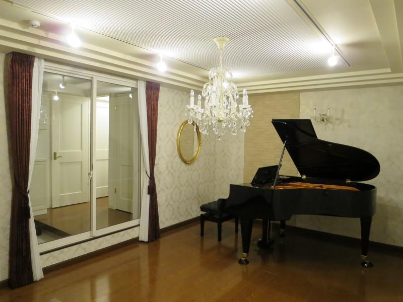 ベーゼンが美しく響くピアノ室