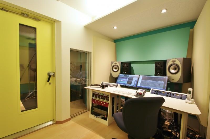 MoonGate Studio